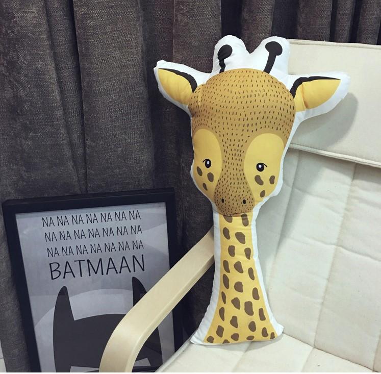 Тканевая интерьерная подушка «Жираф»