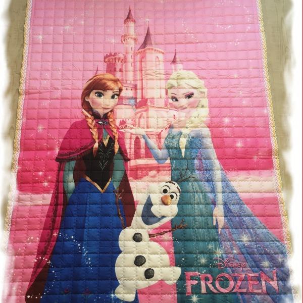 Стеганый коврик «Холодное сердце» — размер 200×150 см.