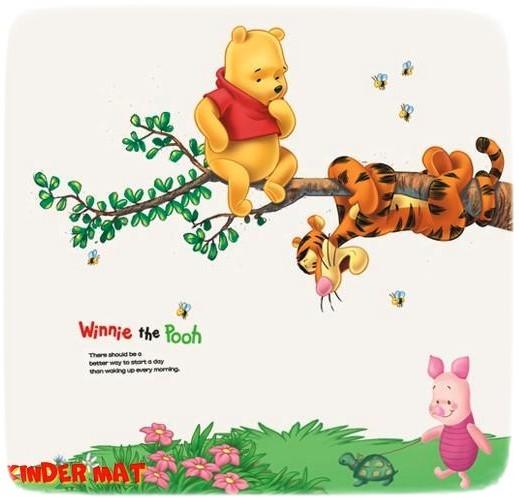 Наклейка «Винни-Пух на дереве»