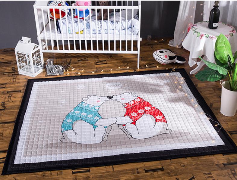 Стёганый коврик «Два медведя» — размер 195×145 см.