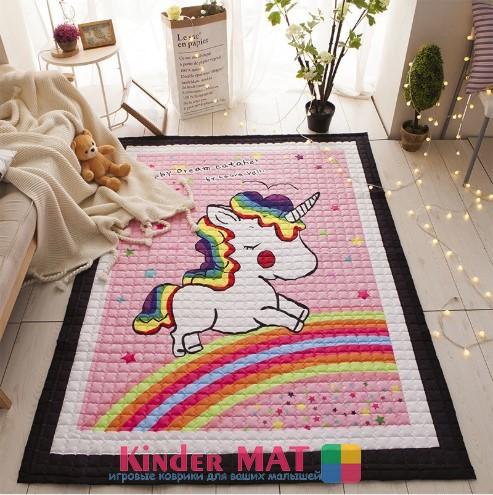 Стёганый коврик «Единорог на радуге» — размер 195×145 см.
