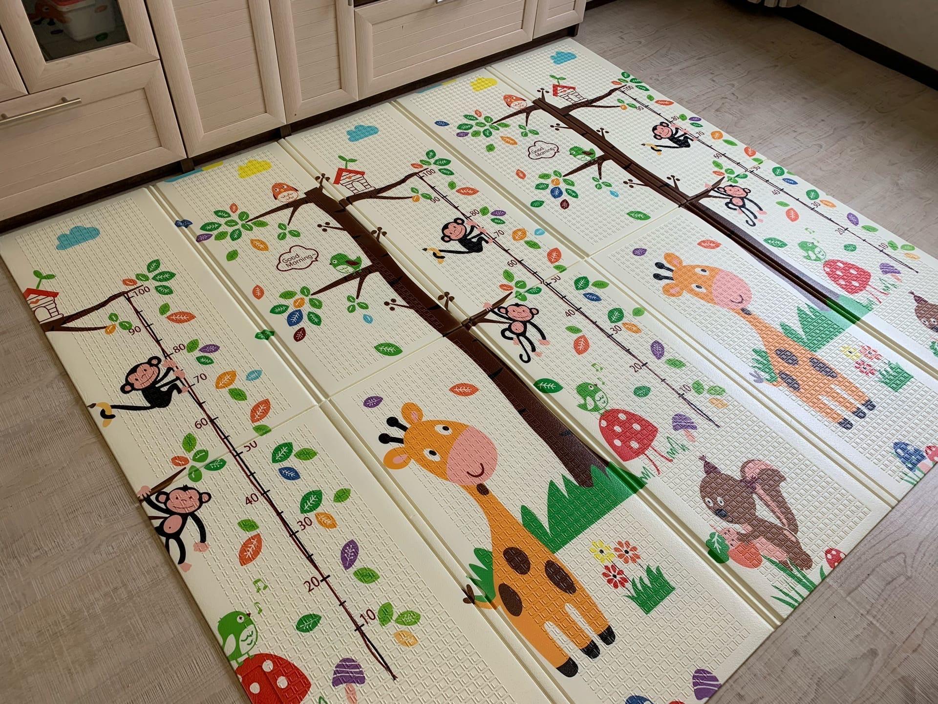 Складной коврик из XPE «лошадки и жирафы» Размер 200x180x1 см